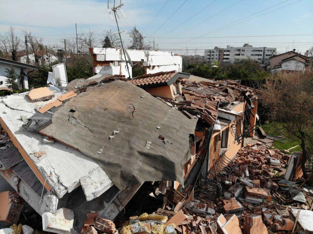 villa esplosa per fuoriuscita di gas