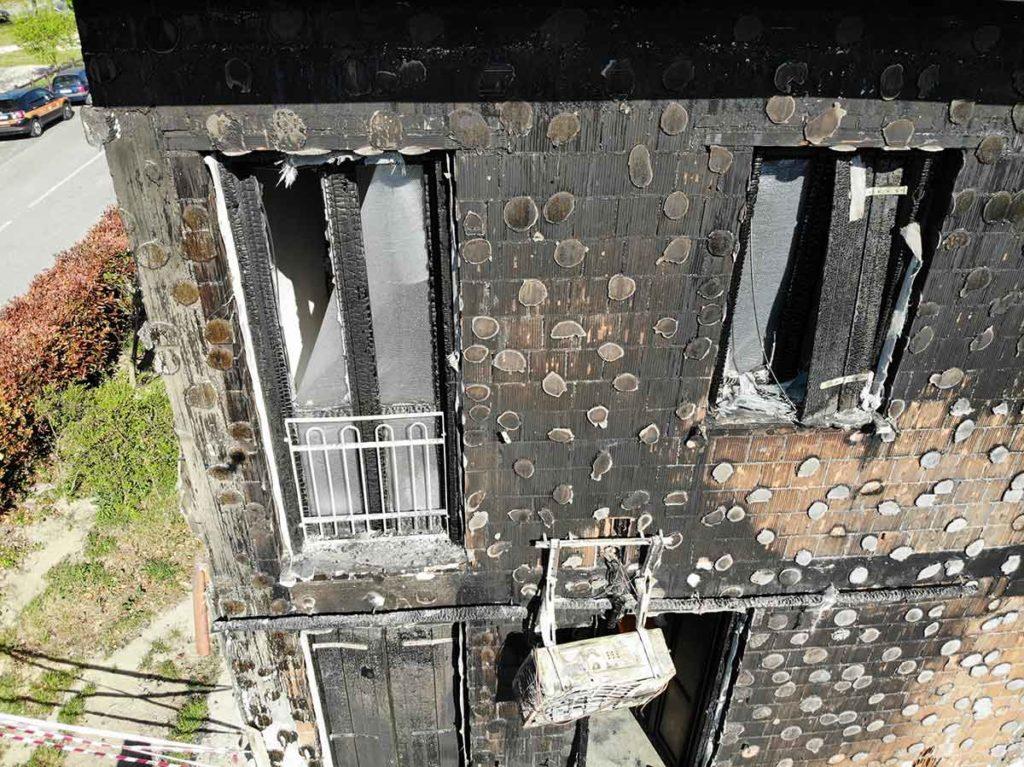 facciata incendiata